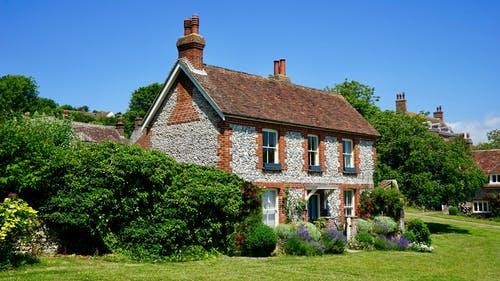 सपने में पुराना मकान या घर देखना